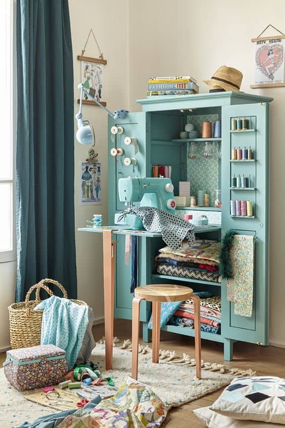 sewing-station-inside-a-closet