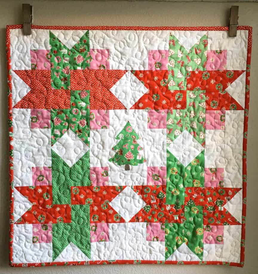 Very-Merry-Wall-Quilt